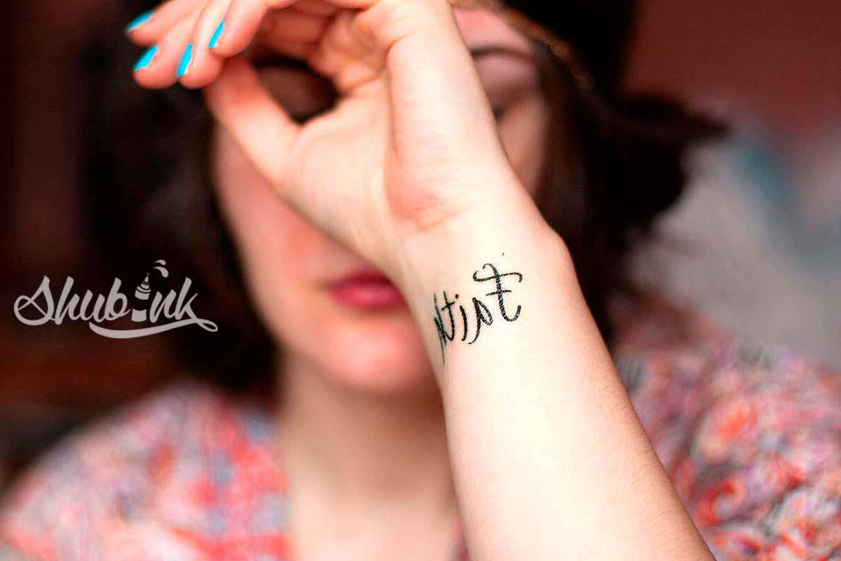 234615-1200x800-1-wrist-tattoo-gallery_result-1.jpg